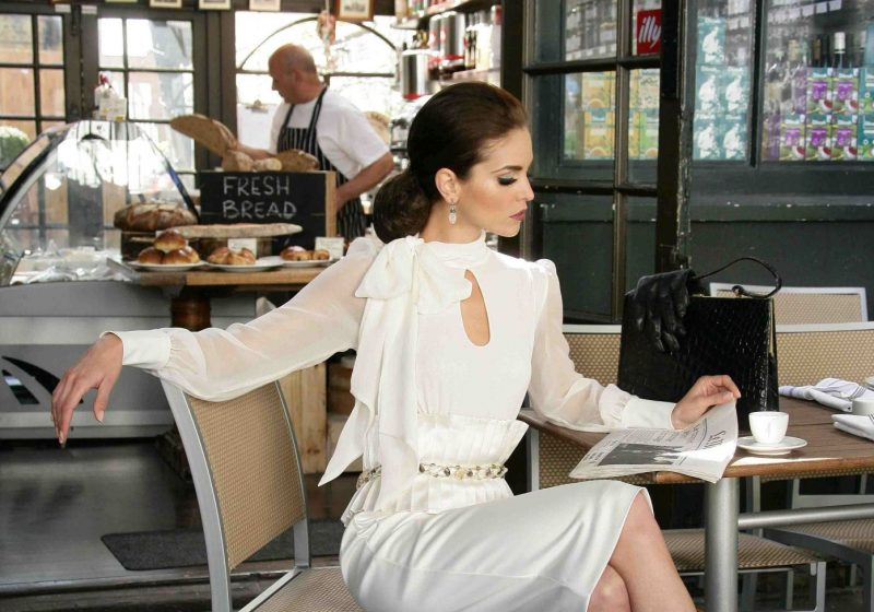 Manners of a Feminine Woman, feminine manners, manners, elegance, The Sublime Woman