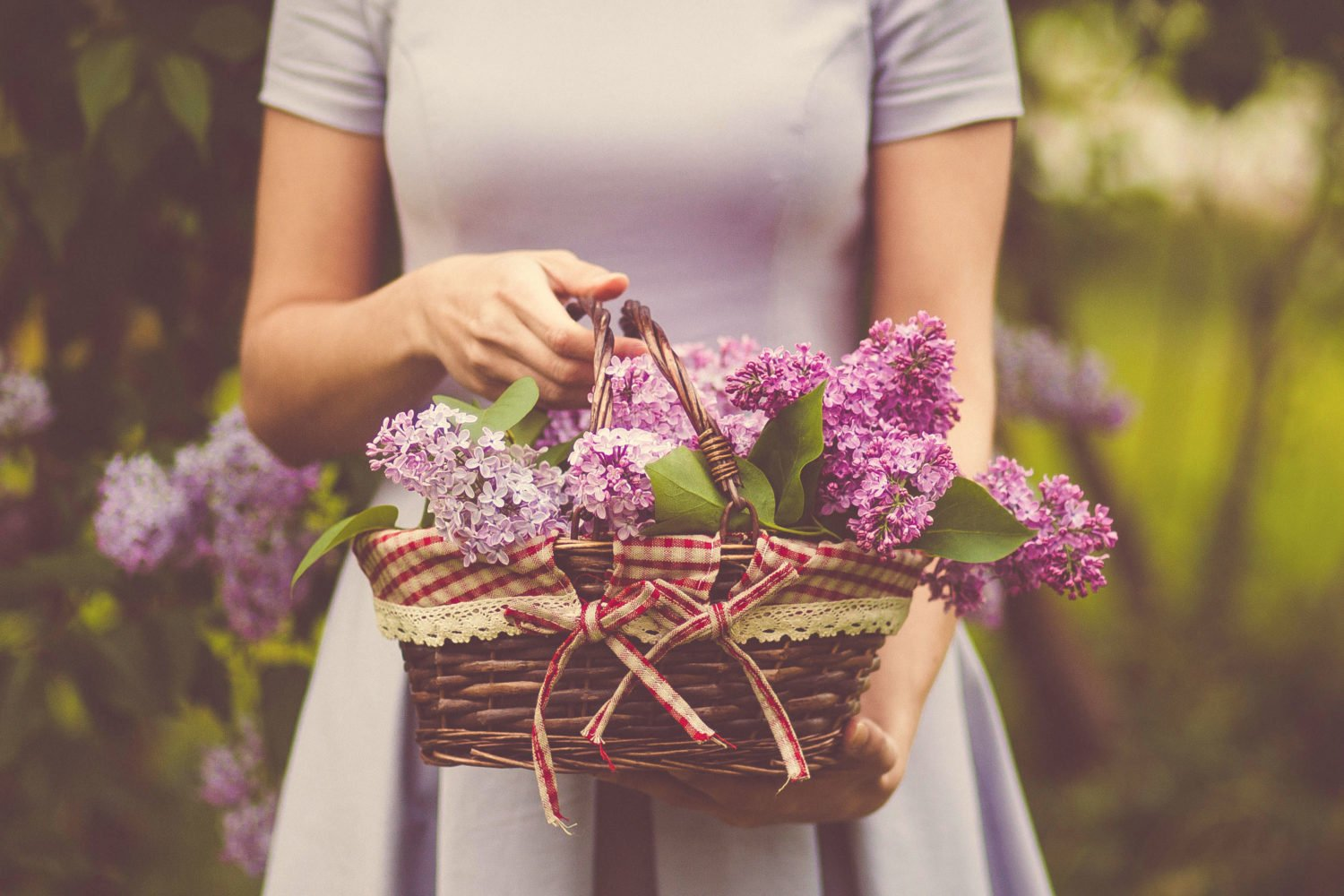 Flower Feminine happiness: care at home. What you need for womens happiness, that would have blossomed and pleased