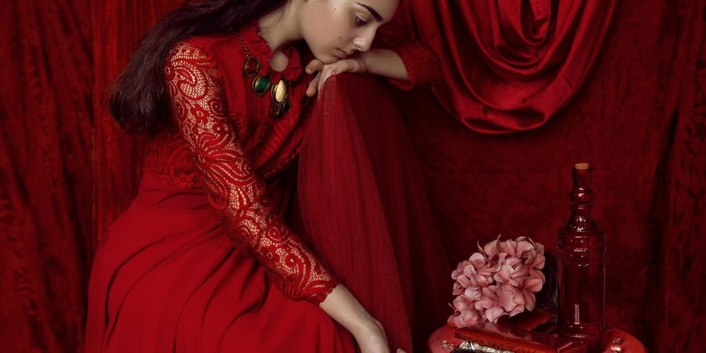 Woman's Practices on Tuesday, Tuesday Feminine Practices, Tuesday Mars Energy, Beautiful woman in red, The Sublime Woman