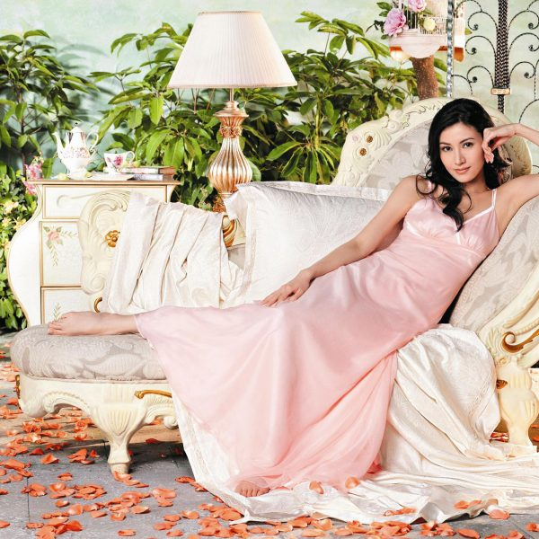 Magical Ways Ideas of Decluttering for Women, Art of Decluterring, Magical Reasons to Declutter, The Sublime Woman, beautiful woman in pink dress in luxurious house